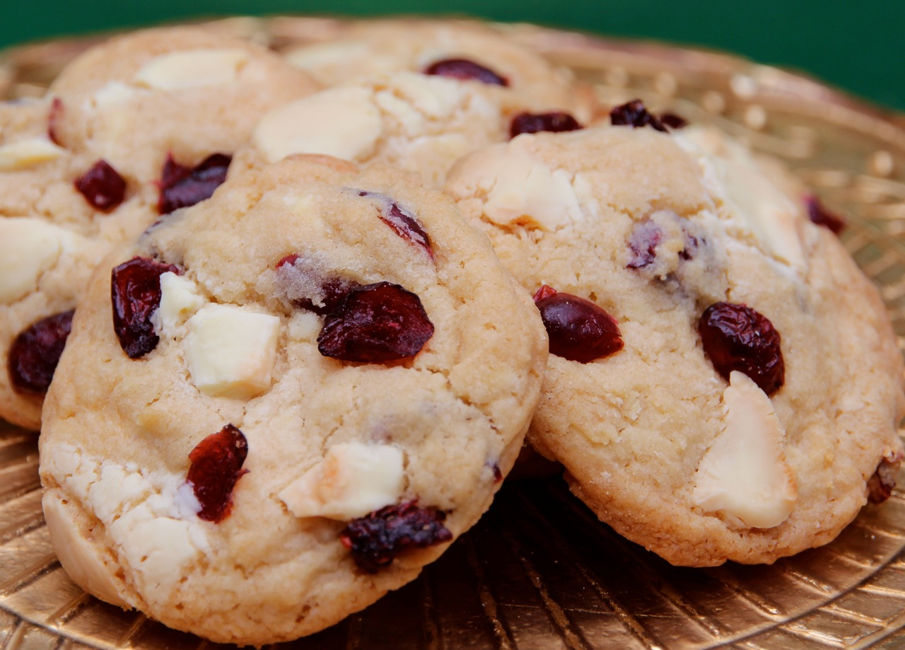 white chocolate chip oatmeal cookies cranberry white chocolate muffins ...