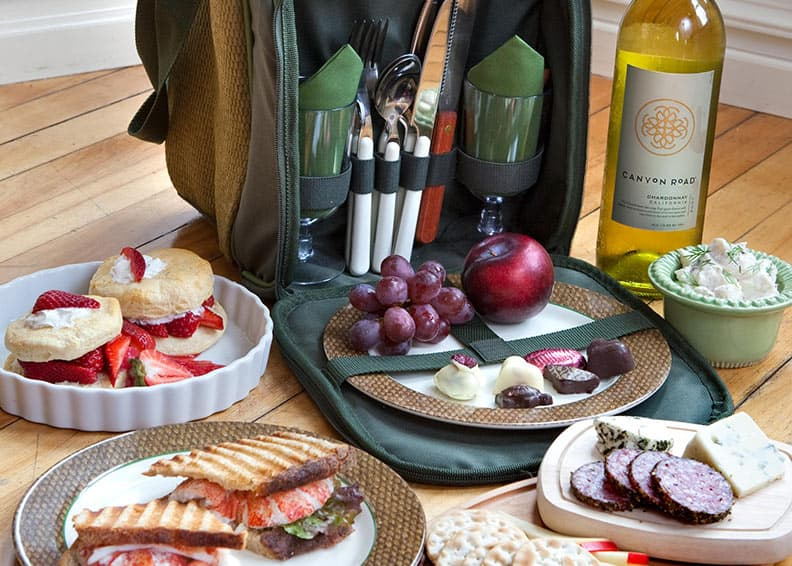 Gourmet picnic tote and food