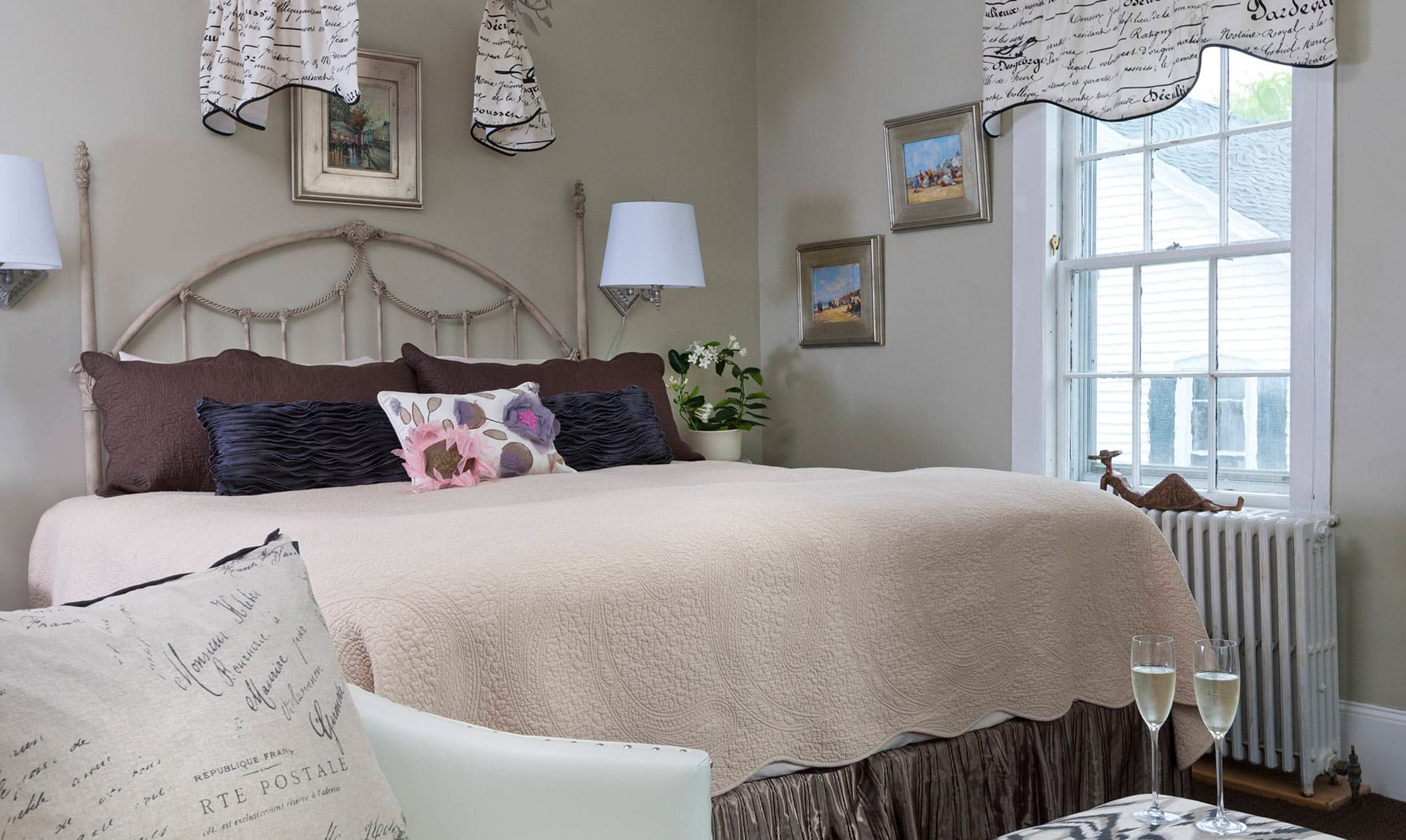 King Bed in Manor Suite